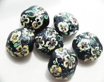 Sale - Vintage Black Floral Design Glass Beads, 18MM, PK6