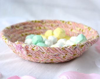 Mother's Day Decoration, Handmade Pink Coiled Basket, Candy Dish Bowl, Pink Ring Dish Basket,  Artisan Quilted Bowl