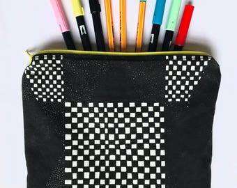 Black and white Patterned accessory pouch