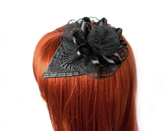 Teardrop Fascinator with lace and tulle