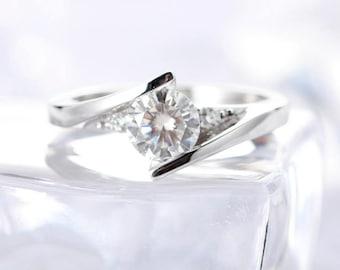 0.5 carat Brilliant Moissanite Engagement ring in 18k White gold, Bridal Ring,Diamond Alternative engagement ring