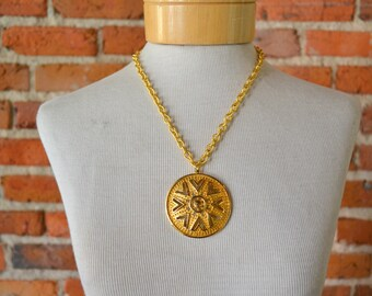 1970s Lisner Gold Pendant and Chain
