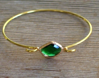Gold Bangle Bracelet, Emerald Green Glass Bracelet, Green Gold Bracelet, Minimalist Bangle, Layering Bracelet, Stackable Holiday Bangle