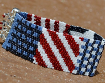 AMERICANA 2-drop peyote beaded bracelet cuff in red, white and blues beading pattern PDF personal use download