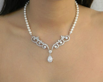 Bridal Necklace,  Pearl wedding necklace Swarovski Rhinestone, Leah Drop Necklace