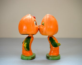 Vintage Kissing Nuts Nodders I Am Nutty About You Sun Glo Products