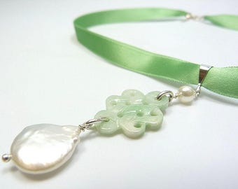 Costume necklace made of jade, freshwater pearls and silver, costume jewelry, Oktoberfest