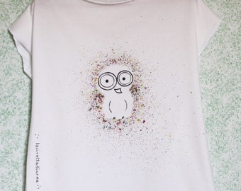 White cotton t-shirt-painted by hand-with original design the daytime owl-original model-hand painted T-shirt-
