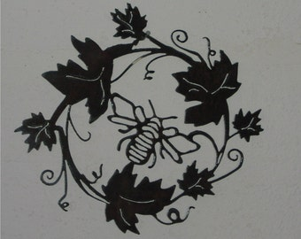 Bee-coming Grapevine- Metal Art/Wall Hanging