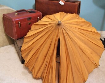 Sweet Tattered Vintage  Umbrella with wood Handle  Parisol Gold As-Is