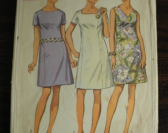 50% - SALE -- Vintage Sewing Pattern -- Dress --Simplicity 8160 -- Size 18 1/2 -- Bust 41 -- 60s