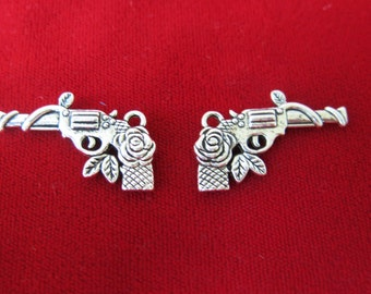 """8pc """"Pistol"""" charms in antique silver style (BC276)"""