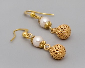Gold Pearl Earrings, Drop Earrings, Dangle Earrings, Victorian Earrings, Wedding Jewelry, Bride Earrings, Antique Gold Coated Jewelry