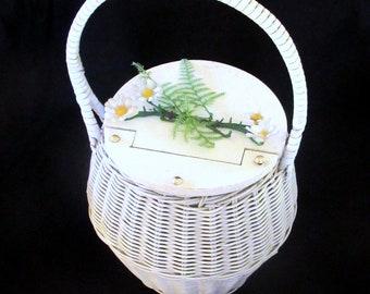 1950s White Round Wicker Basket Purse  Lidded Woven  Plastic Coated Handbag Easter Rockabilly