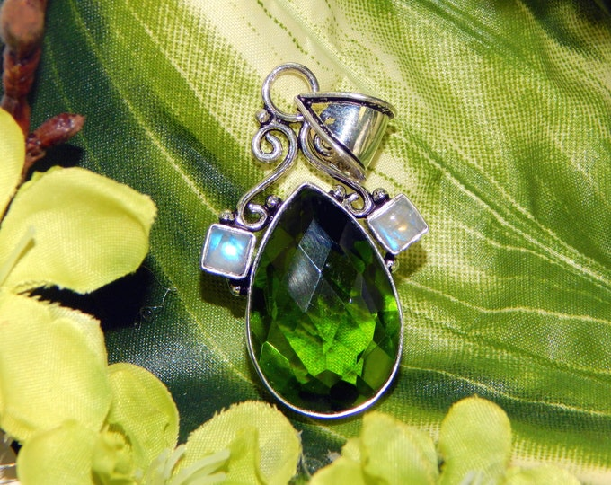 Werecat Panther Shifter inspired vessel - Handcrafted Peridot Moonstone pendant with chain