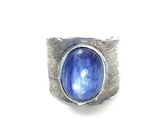 Kyanite ring Mens gemstone ring Tree bark ring Wide band ring Nature inspired jewelry