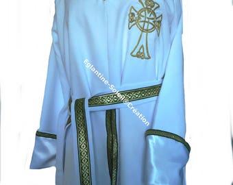 Tabard tunic embroidered custom