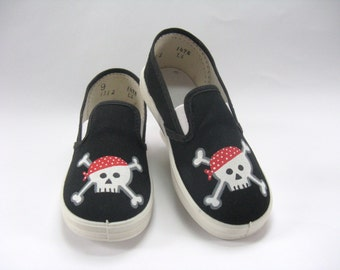 Skull and Cross Bones Shoes, Hand Painted Black Canvas Slip Ons, Pirate Theme Party, Skeleton Shoes, Halloween Costume,  for Toddlers