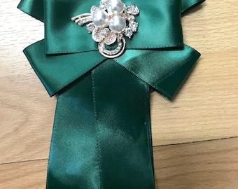 Bow Brooch tie green