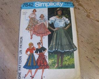 Vintage 1976 Simplicity peasant pattern!  Simplicity 7842,
