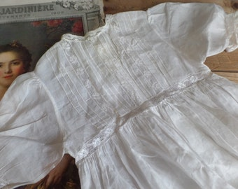 Vintage French  baby Christening gown Dentelle de Valenciennes