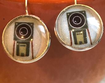 Vintage Camera cabochon earrings - 16mm