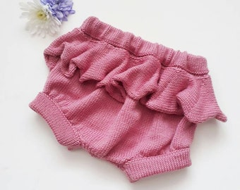 Baby ruffle bloomers, ruffle bloomers, newborn photo outfit, newborn frilly bloomers, newborn girls clothes, baby knickers,baby pants 0-6mth