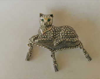 Vintage Avon Cat and Pillow Brooch With Emerald Green Rhinestone Eyes Collectible Kitty Cat Pin Costume Jewelry Gifts