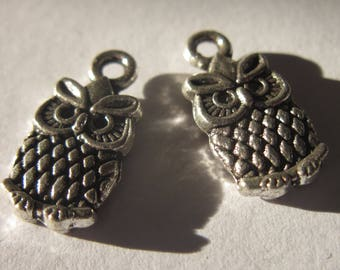 2 silver metal 15mm-(42) OWL charms-