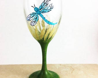 Dragonfly glassware, Best wine gift, gift for wine lover, dragonfly gifts, housewarming gift, Hostess Gifts, Wine wedding gift, Gift for mom