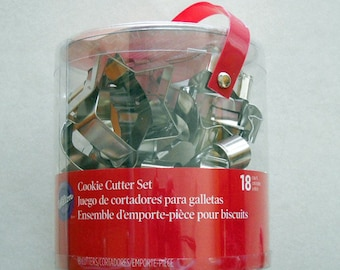 Wilton Cookie Cutter Set 18 Piece Set Unopened Holiday Cookie Cutters