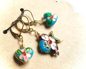 Removable Stitch Markers - Closable - Set of Three (3) - Cloisonne Fish and Hearts - L56