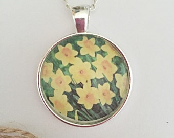 Daffodil Necklace Flower, Glass Pendant Necklace, Spring Flowers Necklace, Yellow Flower Necklace, Daffodil Jewelry For Women, Spring Gift