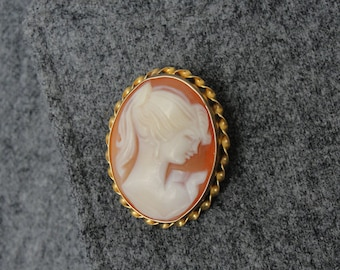 Vintage Cameo Brooch or Pendant, Coral Color Shell, Gold WQNP17-D
