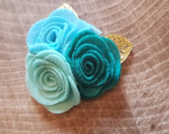 Floral felt hair clip. Turquoise flower hair clip. Flower headband. Felt flowers.