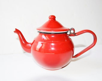 red teapot,