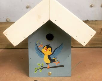 Personalised growroof bird box