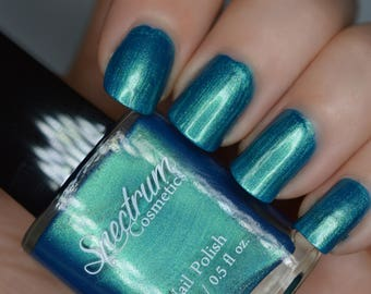 WARLOCK Blue Green Duochrome Nail Polish