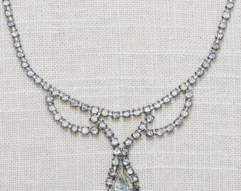 Rhinestone Necklace Bib Vintage Chandelier Pear Shape Crystal & Silver Costume Jewelry 7AA 29