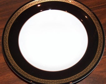 "p7419: SHENANGO 9"" Bowl Black & Gold Inlay Soup Serving Vegetable Restaurant Hotel Ware China at Vintageway Furniture"