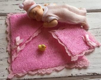 Miniature Pink Baby Bath Towel, Bath Cloth and Duck Set, Dollhouse Miniatures, 1:12 Scale, Dollhouse Nursery, Bathroom Decor