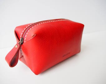 Leather Cosmetic Bag, Leather Makeup Bag, Leather Makeup Pouch, Leather Zipped Pouch, Leather Vanity Bag - Red