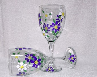 Hand Painted Purple and White Daisy Wine Glasses (Set of 2)