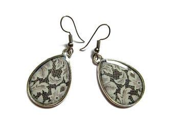 TEARDROP EARRINGS - drop earrings LACE Pattern - white  boho Earrings - Hippie Earrings - white lace Pattern - retro Earrings - vintage