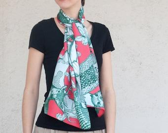 Twill of silk's scarf, mixed drawn animals (deer, rabbit, marmot, mouflon, butterflies), Pink and Pâle green
