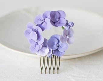 Purple hydrangea hair comb - flower hair comb - garden flowers hairpiece - flowers for hair - bridal flower comb - wedding hair flower