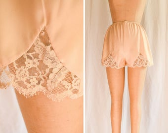 Lucie Ann | 1960s Vintage Tap Pants Peach Silk Charmeuse with Lace Insets and Trim 60s Lingerie Claire Sandra by Lucie Ann Beverly Hills
