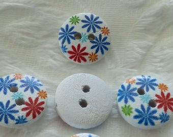 WHITE DAISIES MULTICOLORS DECORATED WOODEN BUTTON