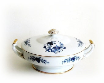 Seyei Blue Meissen Round Covered Vegetable Bowl 5112 Made in Japan