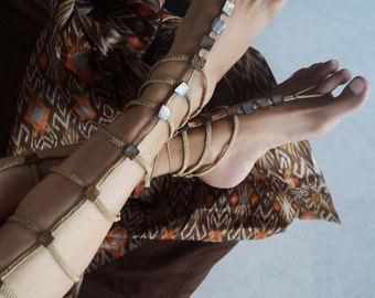 Gladiator Barefoot Sandals, Mother of Pearl Barefoot Sandals, Boho Sandals in Beige/Brown, 1 Pair